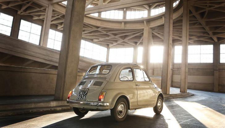 Fiat 500, al MoMA di New York l'iconica citycar - Foto 7 di 27