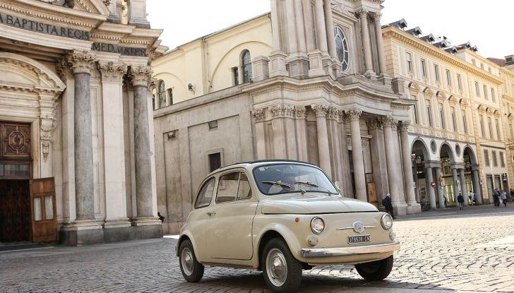 Fiat 500, al MoMA di New York l'iconica citycar - Foto 11 di 27