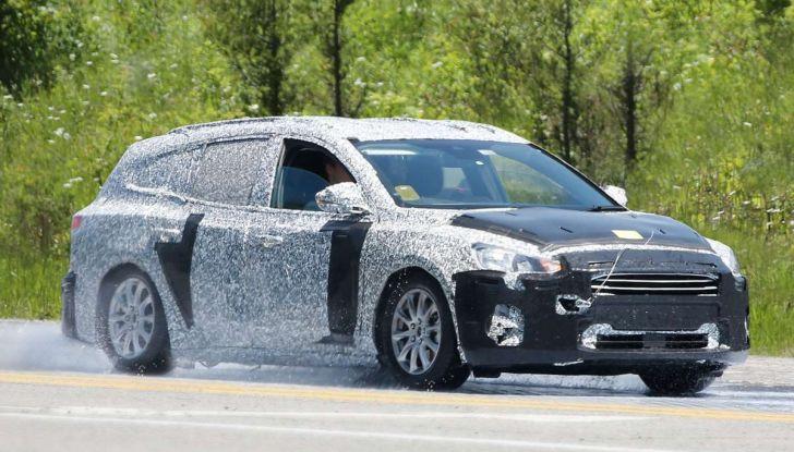 Ford Focus station wagon, prime immagini e dati tecnici - Foto 1 di 9