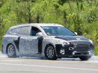 Ford Focus station wagon, prime immagini e dati tecnici
