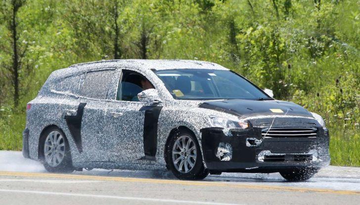 Ford Focus station wagon, prime immagini e dati tecnici - Foto 2 di 9
