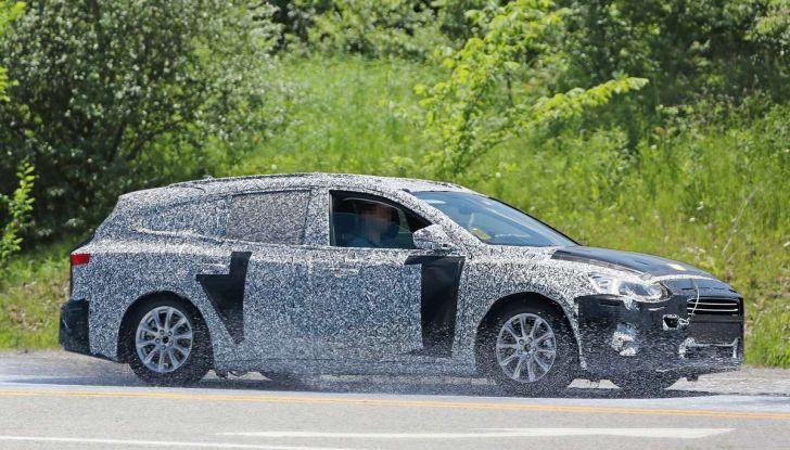Ford Focus station wagon, prime immagini e dati tecnici - Foto 5 di 9