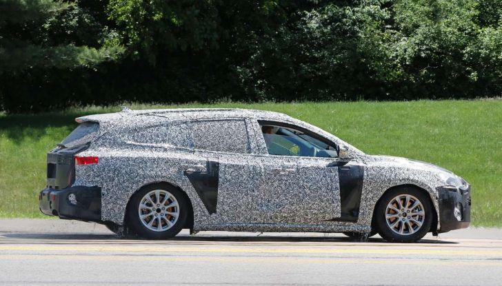 Ford Focus station wagon, prime immagini e dati tecnici - Foto 7 di 9
