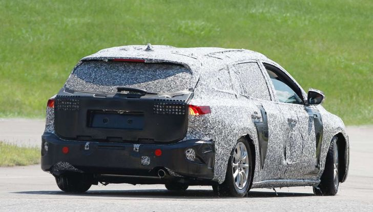 Ford Focus station wagon, prime immagini e dati tecnici - Foto 4 di 9