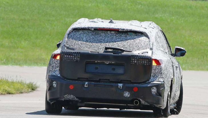 Ford Focus station wagon, prime immagini e dati tecnici - Foto 9 di 9