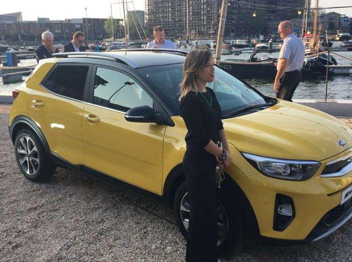 Kia Stonic, prova su strada del crossover urbano compatto - Foto 11 di 11