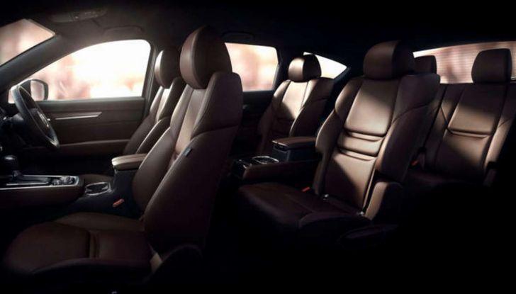 Mazda CX-8, il nuovo SUV a 7 posti - Foto 3 di 5