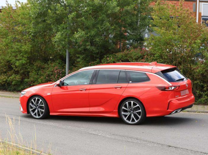Opel Insignia GSi Sports Tourer, informazioni sulla station wagon sportiva - Foto 20 di 29