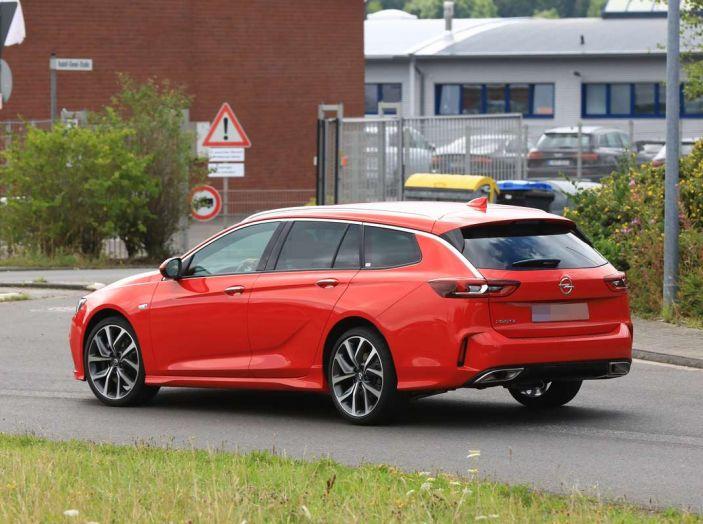 Opel Insignia GSi Sports Tourer, informazioni sulla station wagon sportiva - Foto 21 di 29