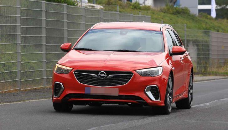 Opel Insignia GSi Sports Tourer, informazioni sulla station wagon sportiva - Foto 4 di 29