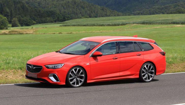 Opel Insignia GSi Sports Tourer, informazioni sulla station wagon sportiva - Foto 25 di 29