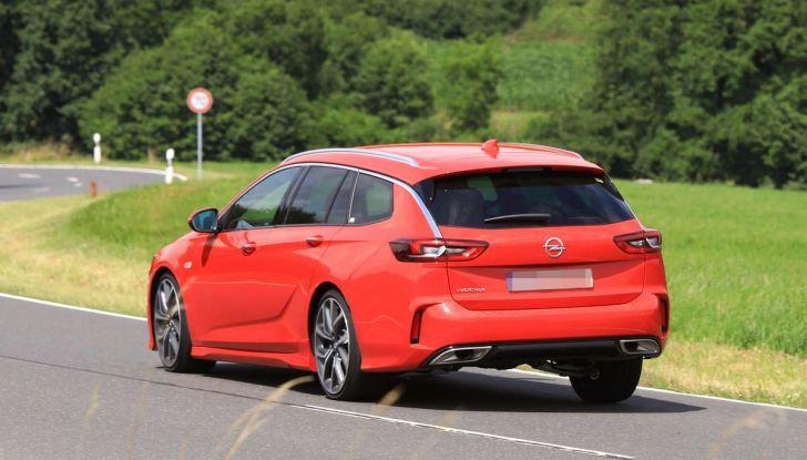 Opel Insignia GSi Sports Tourer, informazioni sulla station wagon sportiva - Foto 19 di 29