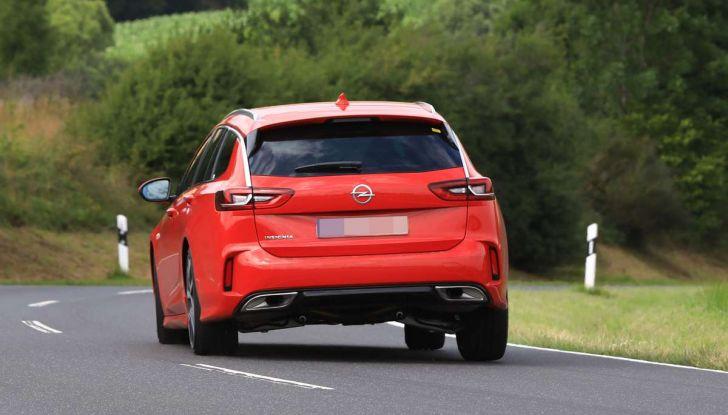 Opel Insignia GSi Sports Tourer, informazioni sulla station wagon sportiva - Foto 24 di 29