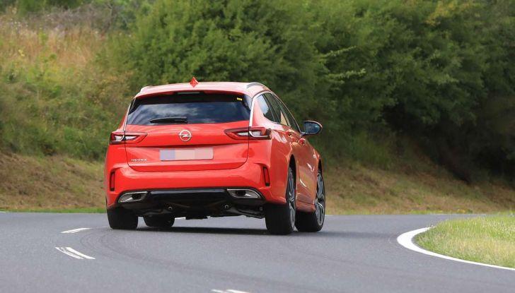 Opel Insignia GSi Sports Tourer, informazioni sulla station wagon sportiva - Foto 29 di 29