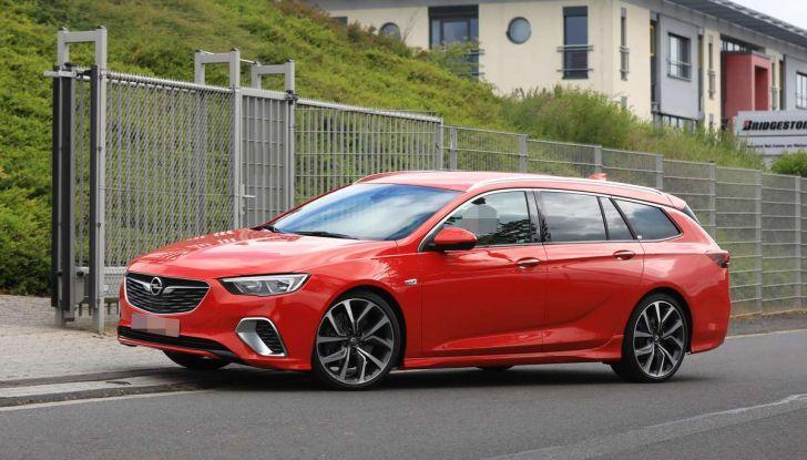 Opel Insignia GSi Sports Tourer, informazioni sulla station wagon sportiva - Foto 5 di 29