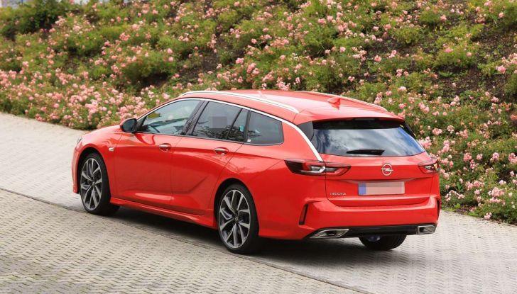 Opel Insignia GSi Sports Tourer, informazioni sulla station wagon sportiva - Foto 12 di 29