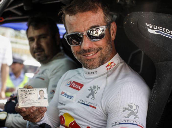Giro di boa al Silk Way Rally – voce agli uomini Peugeot - Foto 2 di 3