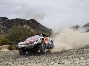 Peugeot all'attacco a due giorni dal traguardo del Silk Way Rally