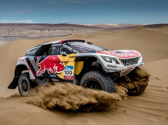 Peugeot salda al comando nella nona tappa del Silk Way Rally - Foto 3 di 4