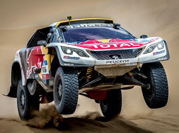 Peugeot salda al comando nella nona tappa del Silk Way Rally - Foto 1 di 4