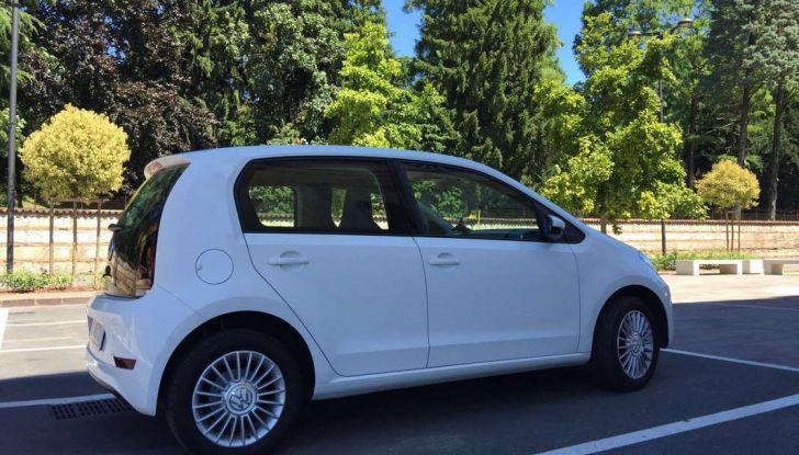 Volkswagen eco up! provata su strada la più ecologica citycar a metano - Foto 36 di 49