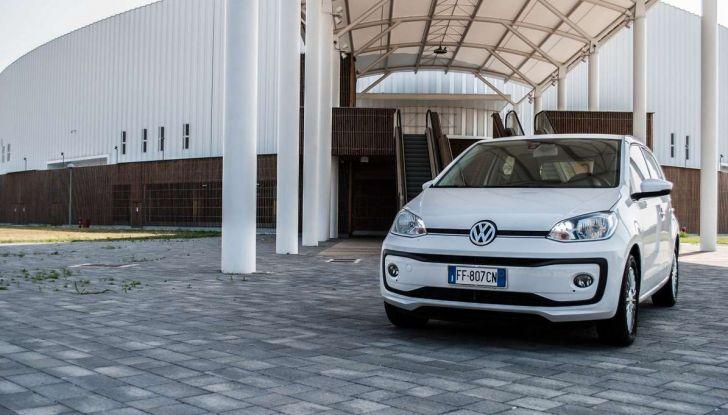 Volkswagen eco up! provata su strada la più ecologica citycar a metano - Foto 6 di 49
