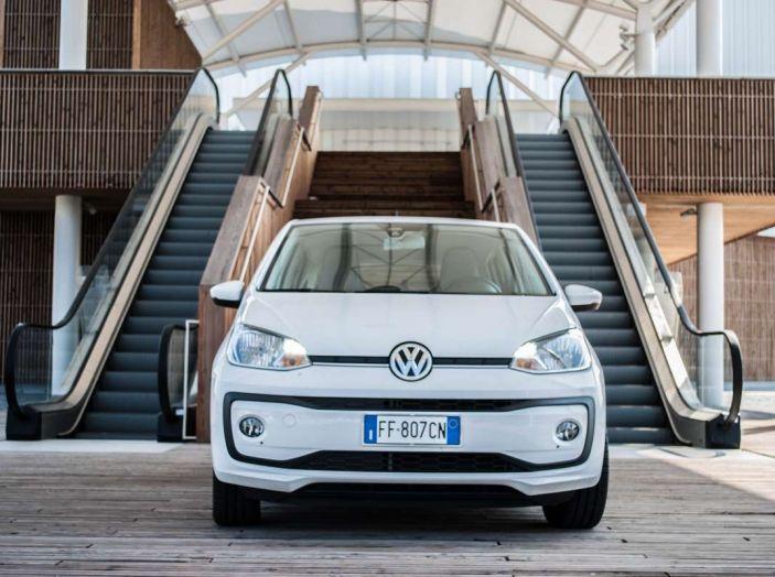 Volkswagen eco up! provata su strada la più ecologica citycar a metano - Foto 13 di 49