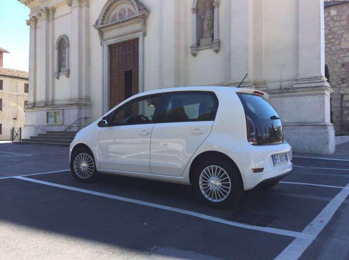 Volkswagen eco up! provata su strada la più ecologica citycar a metano - Foto 38 di 49