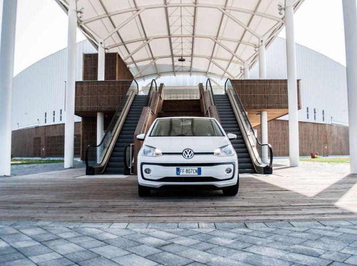 Volkswagen eco up! provata su strada la più ecologica citycar a metano - Foto 23 di 49