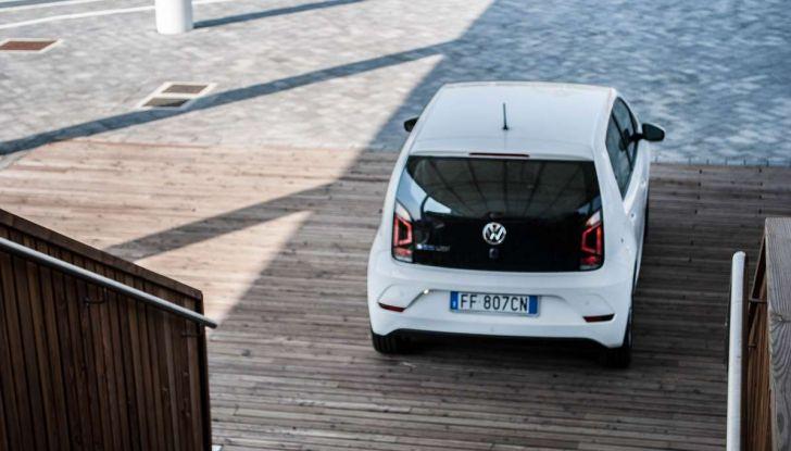Volkswagen eco up! provata su strada la più ecologica citycar a metano - Foto 27 di 49