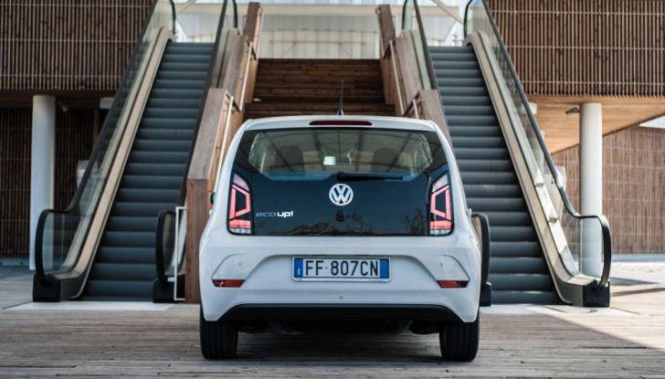 Volkswagen eco up! provata su strada la più ecologica citycar a metano - Foto 25 di 49