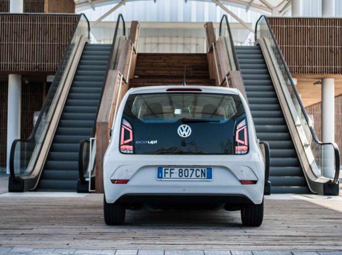 Volkswagen eco up! provata su strada la più ecologica citycar a metano - Foto 33 di 49