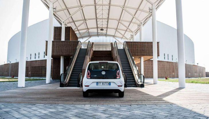 Volkswagen eco up! provata su strada la più ecologica citycar a metano - Foto 34 di 49