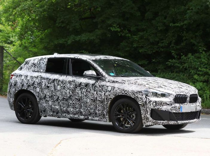 BMW X2 2018, le prime foto spia del SUV coupé - Foto 9 di 14