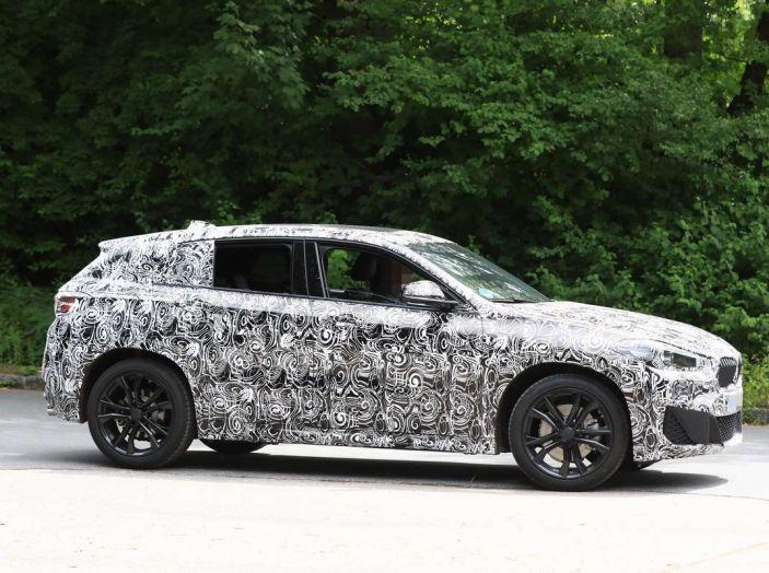 BMW X2 2018, le prime foto spia del SUV coupé - Foto 12 di 14