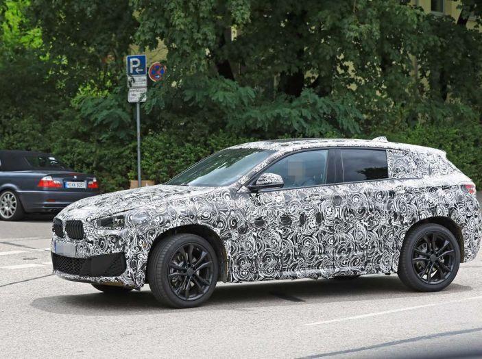 BMW X2 2018, le prime foto spia del SUV coupé - Foto 3 di 14