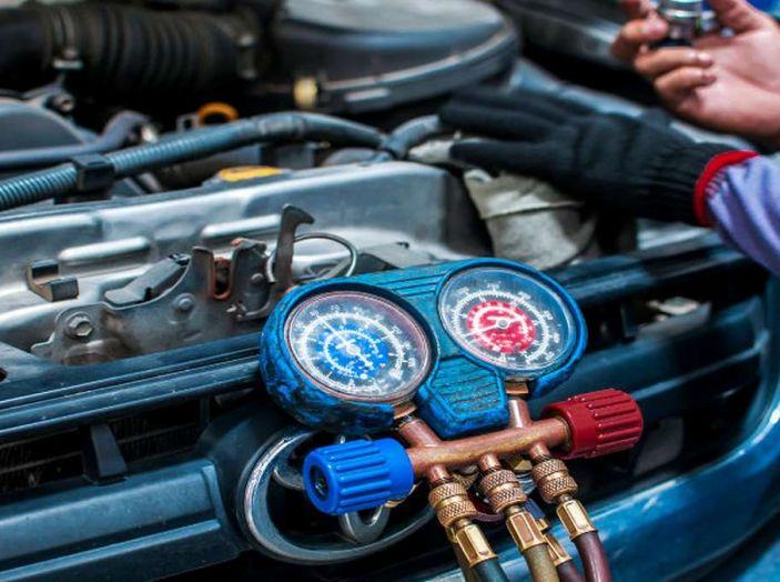 Il climatizzatore auto: ricarica, igienizzazione e importanza - Foto 2 di 5