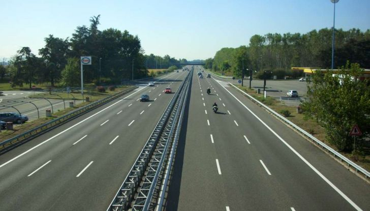 Di Maio, autostrade: tariffa unica senza casello e via i Benetton - Foto 9 di 19