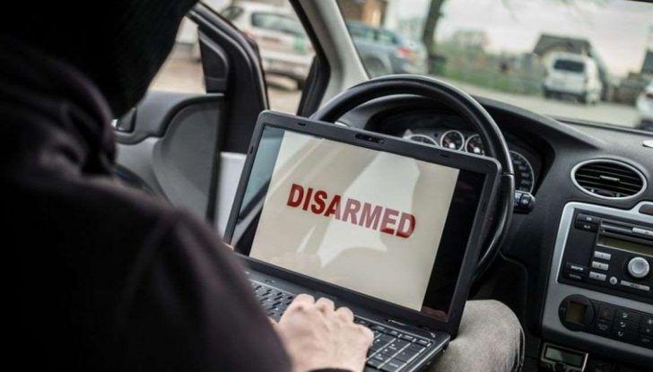 Furti d'auto: più colpi e meno ritrovamenti. Ecco come evitare guai - Foto 4 di 8