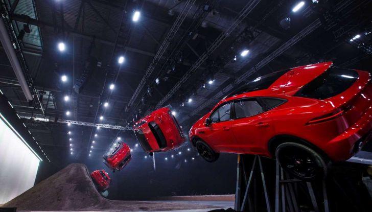 Jaguar A-Pace, il nuovo SUV coupè compatto - Foto 3 di 5