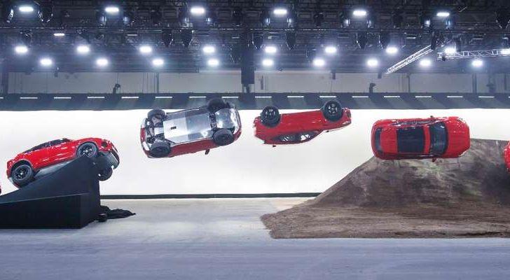 Jaguar A-Pace, il nuovo SUV coupè compatto - Foto 4 di 5