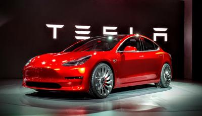 Tesla Model 3: al via la produzione, prime consegne a fine luglio