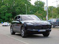 Porsche Cayenne, le foto spia degli ultimi test su strada