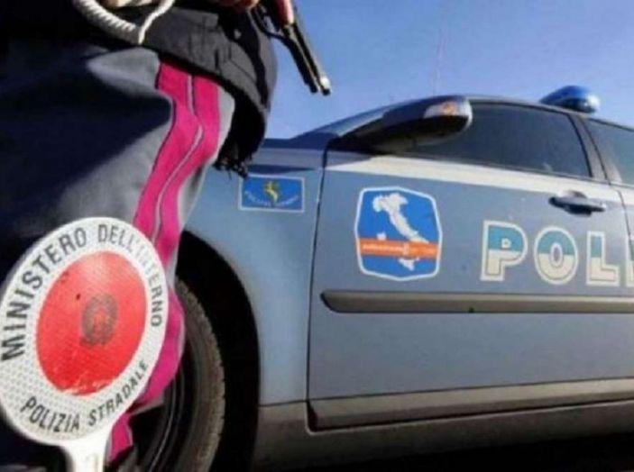 TAR: revisione della patente per la donna che frugava nella borsa - Foto 4 di 8