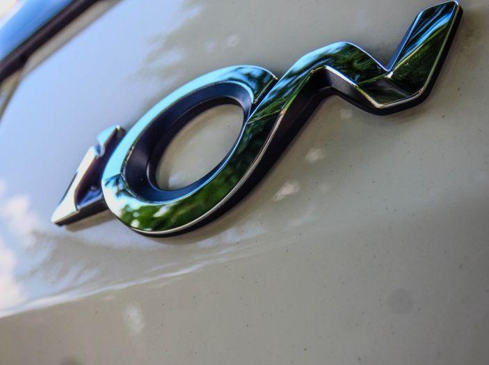 Test Peugeot 108 Collection VS Peugeot iON: Elettrica contro Citycar - Foto 20 di 39