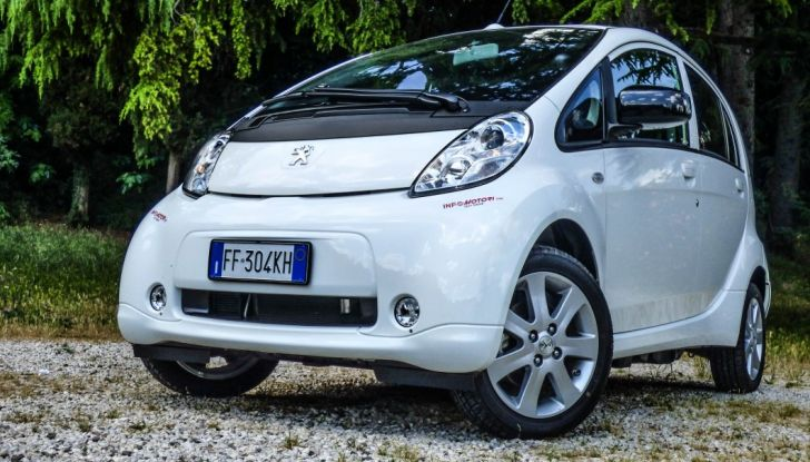 Test Peugeot 108 Collection VS Peugeot iON: Elettrica contro Citycar - Foto 5 di 39