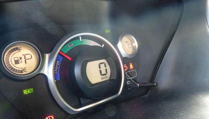 Test Peugeot 108 Collection VS Peugeot iON: Elettrica contro Citycar - Foto 36 di 39