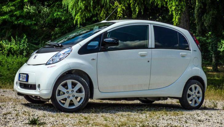Test Peugeot 108 Collection VS Peugeot iON: Elettrica contro Citycar - Foto 37 di 39