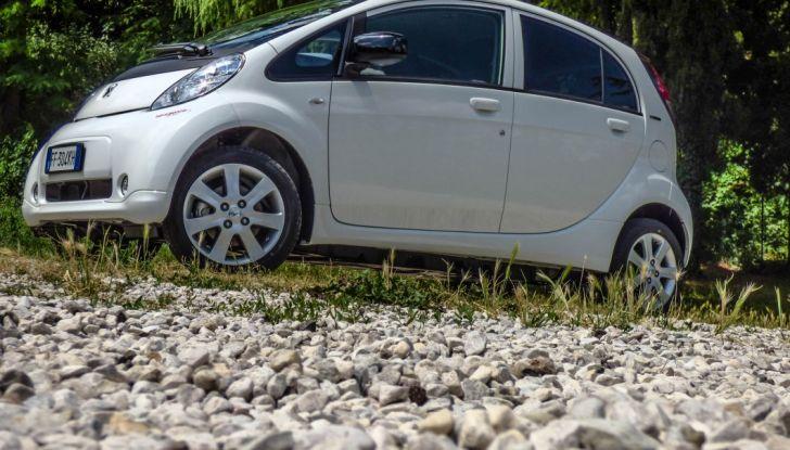 Test Peugeot 108 Collection VS Peugeot iON: Elettrica contro Citycar - Foto 38 di 39