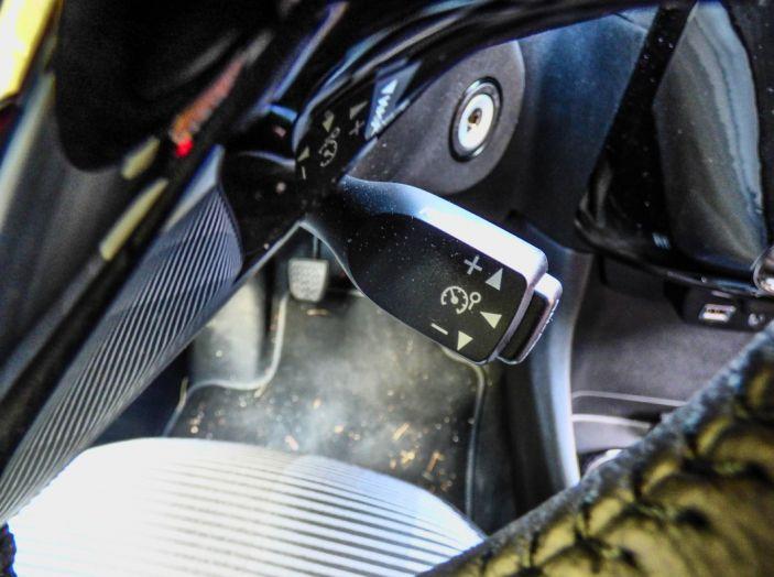 Test Peugeot 108 Collection VS Peugeot iON: Elettrica contro Citycar - Foto 23 di 39